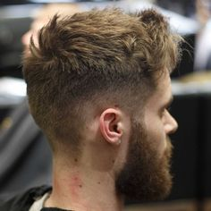 This tousled and textured cut and style works with hairs flow. #newhairstylesformen #menshair #menshairstyles #menshaircut #menshair2018 #menshairtrends #shorthairmen #thickhairmen #spikes