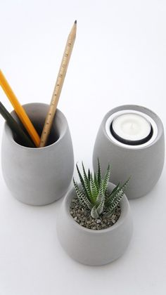 KALKI'D pro cement flower - round device (high school short) into three groups / print product / final spot group / cement / Industrial wind / planting / Concrete Tools, Concrete Furniture, Concrete Cement, Concrete Crafts, Concrete Projects, Concrete Design, Terrarium Cactus, Beton Design, Cement Art