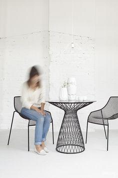 © smallbigidea.com geometrical interior. wire furniture.