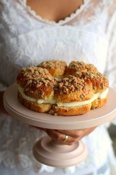 Saint Tropez torta - Kifőztük Saint Tropez, Sweet Cakes, Cake Designs, Bagel, Saints, Dinner Recipes, Bread, Cookies, Foods