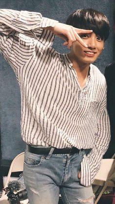 What a handsome man he is Maknae Of Bts, Jungkook Jeon, Foto Jungkook, Kookie Bts, Jungkook Oppa, Bts Bangtan Boy, Busan, Jeon Jeongguk, Jung Kook
