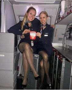 Pantyhose Outfits, Nylons And Pantyhose, Great Legs, Nice Legs, Flight Attendant Hot, Airline Uniforms, Sexy Legs And Heels, Fashion Tights, Black Stockings