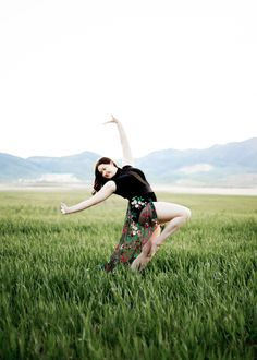 #Senior Girl Poses #Outdoors in #Field sun flare #dance