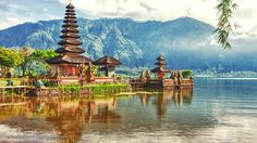 Many claim that there are actually more temples than homes in Bali. Strictly speaking, many temples are really shrines but the number of religious compounds in Bali is said to be over 10,000 and the number is spread throughout the far-flung corners of the island, from mountain and hilltops