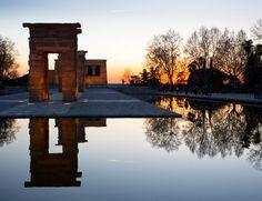 En Madrid, el Templo de Debod es el lugar favorito para muchos amantes de la fotografía para capturar los últimos rayos del astro rey.