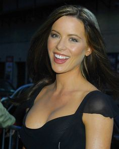 Photograph of Kate Beckinsale in various sizes, also as poster, canvas or art-print