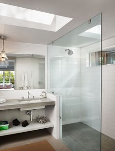 counter leading to glass shower - this is how i want ours to look!
