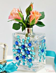 Perfume, parfum, cologne or any fabulous scent in a pretty glass bottle - eventually, that bottle is empty. I always put empty perfume bottles in dr Bottle Art, Bottle Crafts, Glass Containers, Glass Bottles, Mini Vase, Empty Perfume Bottles, Bottle Display, Altered Bottles, Decoration Piece