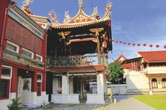 The Cheah kongsi was formed in 1810 by members of the Cheah clan from Sek Tong Village in the Fujian province of Southeast China. The main temple was completed around 1870 with architectural influences from Peranakan, Malay, British and Chinese. Although its premises face Beach Street, the main entrance is down a narrow passageway on Lebuh Armenian. The Cheah clan is one of the five largest Hokkien clans in Penang. The place is open Monday to Saturday from 8am to 6pm and admission is free.