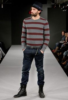 Should Men Wear Jeans Tucked into Boots?
