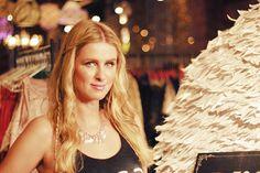 """Nicky Hilton esteve em SP pra abertura da nova loja da Rosa Chá. Blog LP conversou com ela sobre seu livro """"365 Style"""" e sua relação com a moda - confira!"""