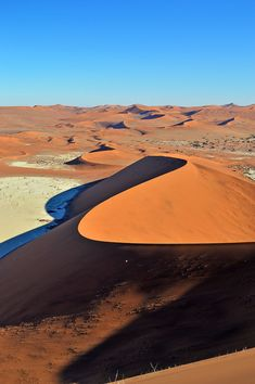 One of the most luxurious stays you can have in Namibia is at Little Kulala - surrounded bt beautiful desert and some of the world's highest sand dunes. Travel Around The World, Around The Worlds, African Holidays, Travel Aesthetic, Africa Travel, Amazing Destinations, Natural Wonders, Travel Pictures, Airplane View