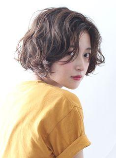 【ボブ】大人可愛いクシュっとゆるふわパーマ/BEAUTRIUM 表参道の髪型・ヘアスタイル・ヘアカタログ|2016秋冬