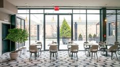 Mario Batali's new brunch palace La Sirena is now serving brunch