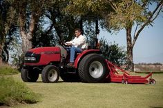 9 new compact tractors for 2013 | Living the Country Life | http://www.livingthecountrylife.com/machinery/tractors-attachments/9-new-compact-tractors-2013/