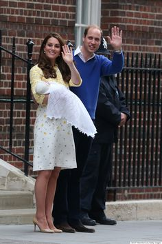 Royal Baby First Picture As Kate Middleton, William And New Princess Leave Hospital Saturday 2 May 2015 ...