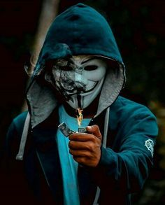 Pin On كل ماح ولي يتلاشئ عند الح ديث معك Hacker joker mask wallpaper