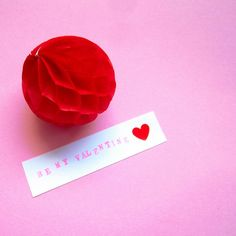 #bemyvalentine #valentinesdiy #valentinesgift #valentinesdecor #valentinesparty #valentineday #valentines #valentine #love #forever #tity #party #partydecor #eventdesigner #eventdesign #eventplanner #eventplanning #pink #red #honeycombball #minimal #design #handmade #diy #craft #instadaily #instadiy #instavalantines #spain #zaragoza
