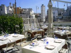 """Solarium Caffè """"la terrazza"""" Polignano a mare specialità marinare-pizzeria-cucina locale tavoli all'aperto"""