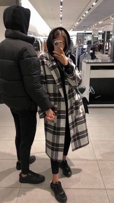 Cute Love Couple, Cute Couple Pictures, Girl Pictures, Couple Photos, Couple Goals Relationships, Relationship Goals Pictures, Couple Goals Teenagers, Cute Couples Goals, Couple Photography