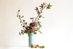 Ikebana with Brassica and Astilbe 800