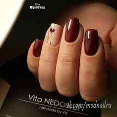 Nageldesign Burgundy Nail Art Ideas That Are Smart and Cultivated Burgundy nail polish and a flo Classy Nail Art, Classy Nail Designs, Manicure Nail Designs, Acrylic Nail Designs, Nails Design, Cute Nails, Pretty Nails, Burgundy Nail Art, Burgundy Wine