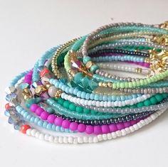 Atelier Balila diverse armbandjes fijne kraaltjes in zomerse kleurtjes