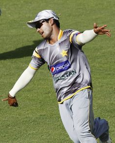 Pakistan's Umar Akmal attends a practice session ahead of their second One Day International cricket match against Sri Lanka in Pallekele June 8, 2012. Pakistan won their first One Day International match against Sri Lanka.