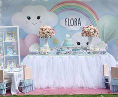 Na delicadeza das coresDaniiii noixxx @Regranned from @danydalarosa - Flora 1st birthday party! Design by @carlabenasayag buffet by @buffet_sao_paulo_uk #festachuvadeamor #chuvadeamor #cloudparty #festamenina #kidspartylondon #kidspartydecor #firstbirthdayparty #candycolors #danieledalarosaeventos #buffetsaopaulouk - #regrann