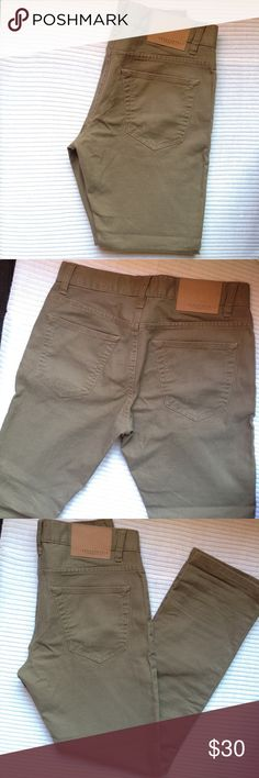 Aeropostale men's  skinny jeans or pants New without tag. Was in the closet. 28/28. Aeropostale Jeans Skinny