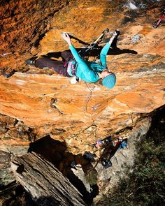 Welcome to instagram @katariinarahikainen ;-) Here she is crushing the cruxy sequence on the Pulse at Zap crag Blue Mountains.  #itsalwaysgoodtohaveasponsor @kailasofficial