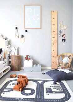 Noah& Modern and Tasteful Toddler& Room - by Kids Interiors via Deux p. Noah& Modern and Tasteful Toddler& Room – by Kids Interiors via Deux par Deux Scandinavian Kids Rooms, Scandinavian Style, Modern Kids Rooms, Toddler Rooms, Toddler Boy Room Decor, Baby Playroom, Room Kids, Playroom Ideas, Kids Room Design
