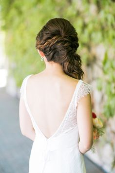 Sweet & classic bridal hairstyle// Jenn & Tommy's Colorful, Romantic Fairytale Wedding// Novato, CA// Jasmine Lee Photography #rusticwedding
