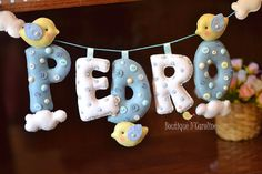 Atelier - Boutique D' Caroline Felt Kids, Felt Baby, Felt Crafts, Fabric Crafts, Diy And Crafts, Baby Shower Crafts, Baby Boy Shower, Boutique D Caroline, Baby Door Wreaths