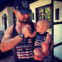 Stephen Amell and his daughter