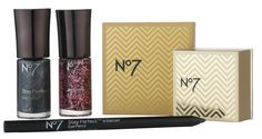 No 7 Art Deco inspired makeup set for twenties glamour