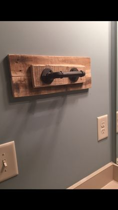 DIY Hand Towel Holder Using Pallet Wood And Old Piping