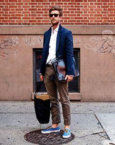 ネイビージャケット×茶色のクロップドパンツ コーディネート(メンズ) | Italy Web