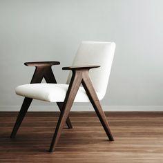 This is LIBERA armchair, the new Jesus Gasca and Jon Gasca design for STUA. LIBERA: www.stua.com/design/libera
