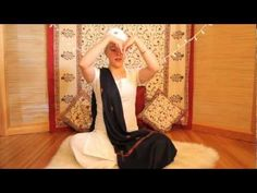 Nirinjan Kaur Teaches the Antar Naad Meditation for the Full Moon. I love being a Kundalini Yoga teacher! I gotta share the medicine with the world Kundalini Mantra, Kundalini Meditation, Breathing Meditation, Meditation Music, Guided Meditation, Meditation Youtube, Yoga Themes, Mudras, Yoga Dance