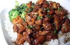 Mongoolse kip is heerlijk gekruid en lekker mals! Dit recept voor Mongoolse kip is super makkelijk om te maken en staat binnen een kwartiertje bij je op tafel! We moeten je waarschuwen; er zit een aardige berg met suiker in de saus maar dat mag de pret niet drukken; zo'n heerlijk kipgerecht heb je namelijk...