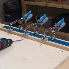 Quick, Easy Benchtop Clamping with Automatic Adjustment