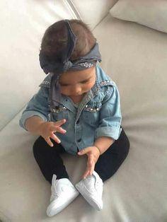 How cute! Fashionista baby <3 Chambray, chucks, leggings, bandana! One of my baby faves!