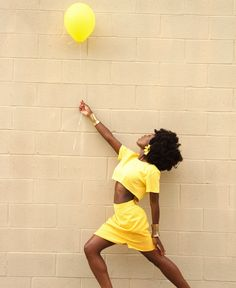 Trendlistr - Inspired by Vintage, Led by Trends Black Girls Rock, Black Girl Magic, Brown Skin, Dark Skin, Afro Punk, My Black Is Beautiful, African Beauty, Mellow Yellow, Curled Hairstyles