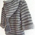 Petit manteau… – Fashion World Baby Boy Knitting Patterns, Baby Hats Knitting, Knitting For Kids, Knitting Designs, Baby Boy Sweater, Knit Baby Sweaters, Baby Cardigan, Crochet Baby, Knit Crochet