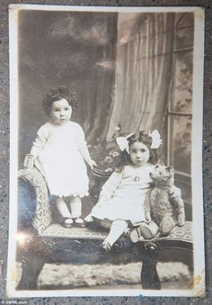 The antique bear, which has one eye and a floppy ear, was found in a bag with a frayed black and white photo dated March 1918 of him in better days being cuddled by two little girls. Antique Photos, Vintage Pictures, Vintage Photographs, Old Pictures, Vintage Images, Old Photos, Pretty Pictures, Old Teddy Bears, Antique Teddy Bears