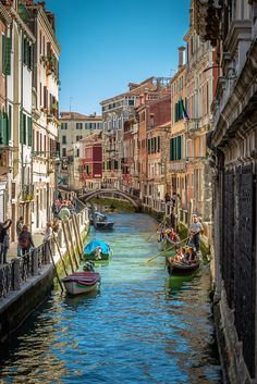 During a visit to Venice, looking at one of the many canals ....  I thank the people who leave a comment, especially if negative but constructive, that allows me to improve my way of taking pictures.