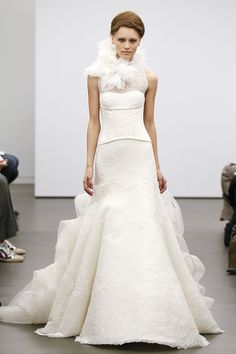 Vera Wang Fall 2013 Bridal Collection Features Classic Ivory, Lace Gowns