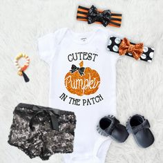 The onesie- not the other stuff.Cutest Pumpkin in the patch One piece only by SofSBoutique on Etsy My Little Girl, My Baby Girl, Little Babies, Cute Babies, Baby Girl Fashion, Kids Fashion, Fashion Fall, Oakley, My Bebe