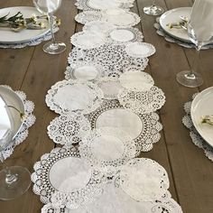 Add style to any table top!!This Prettie listing is for a Prettie Paper Lace Doily DIY Table Runner SetYou will recieve a mix of 4 doily styles Brooklace, Cambridge Lace, Medallion Lace and Royal Lace in equal combinations of individual 4, 5, 6, 8, 10 inch sizes [quantity will depend on length]. When pieced together as pictured, runner will measure between 10 - 12.5